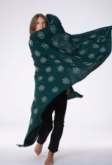 REVERSE BLOSSOM FLOAT SHAWL IN DARK GREEN & IVORY  100% CASHMERE, YARN DYED