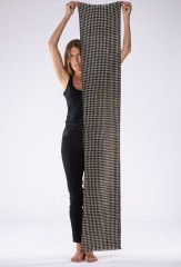 HOUNDSTOOTH MUFFLER IN SHORE & BLACK 100% CASHMERE, YARN DYED