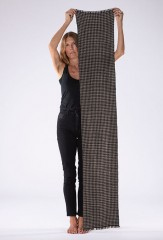 HOUNDSTOOTH MUFFLER IN NATURAL BROWN & ASSAM 100% CASHMERE, YARN DYED
