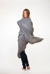 Houndstooth Shawl in Dark Navy & Ivory
