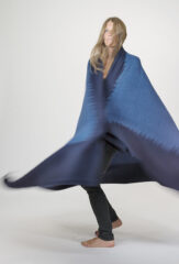 CASHMERE & WOOL SHADED THROW IN DARK NAVY & INDIGO