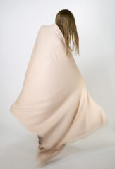 FRANGIA SHAWL IN SHELL PINK