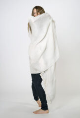 LINEN SGUGU SHAWL IN WHITE