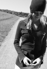 SANDHURST JACKET IN FOURREAU NOIR & CARMEN; CAPPELLO INGHLESE IN CARMEN