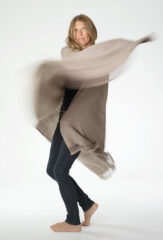 BAMBINA SHAWL IN NATURAL BROWN
