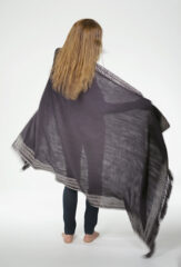DERA SHAWL IN FUR BROWN & IVORY