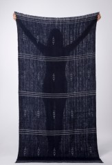 SLASHER SHAWL IN DARK NAVY & IVORY