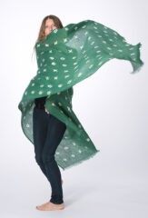 LINEN XOXO SHAWL IN EMERALD & IVORY