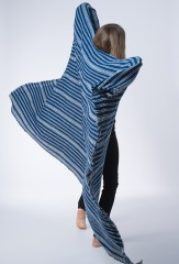 TZUTE THROW IN NOINDIGO & IVORY