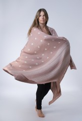 BANDED ALL OVER DOTS SHAWL IN MARRON GLACE & IVORY