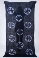 KARAMATSU SHAWL IN DARK NAVY & IVORY