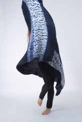 ZEBRA BORDER SHAWL IN DARK NAVY & IVORY