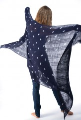 ALL OVER DOTS EL MELHFA SHAWL IN DARK NAVY & IVORY     100% LINEN, HAND TIE-DYED